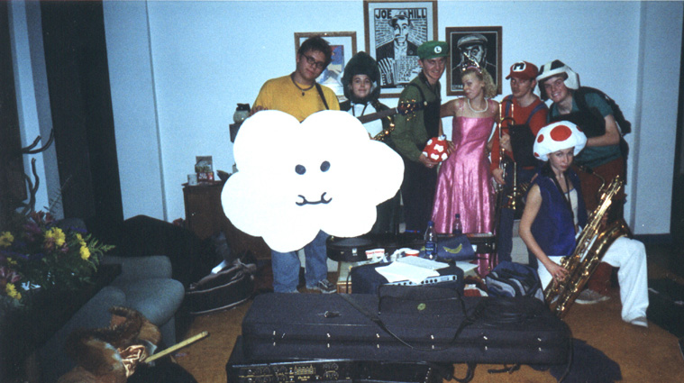 Ten Too Many: Skalloween 2001